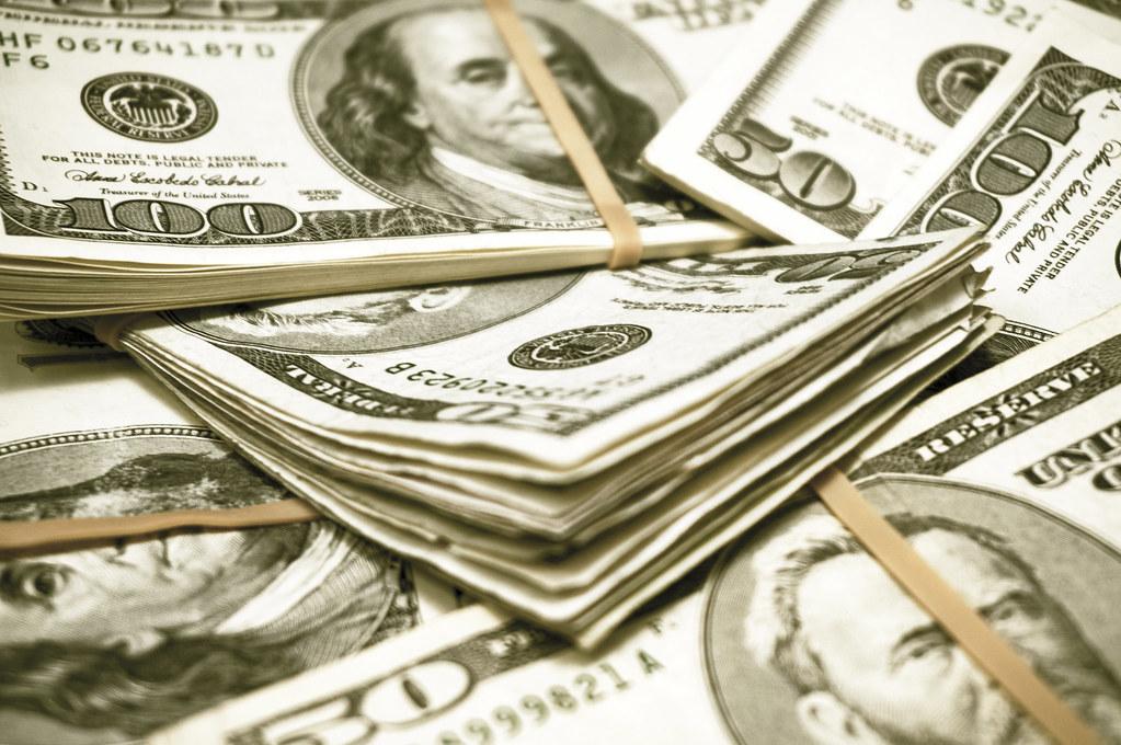 Tipps, um als Student zusätzliches Geld zu verdienen oder ein mini kredit abschlussen?
